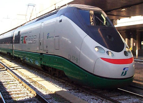 Inter-regional поезд италия