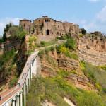 Чивита ди Баньореджо средневековый город-замок