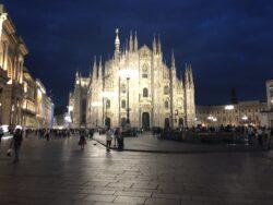 Вечернее фото Дуомо в Милане